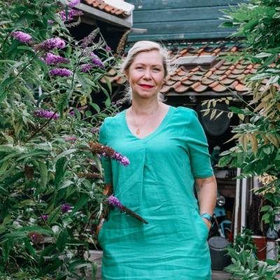 willy in tuin op Zaanse Schans